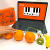 piano orange play